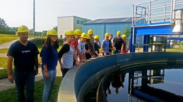 Woher unser Trinkwasser kommt und wie es wieder sauber wird