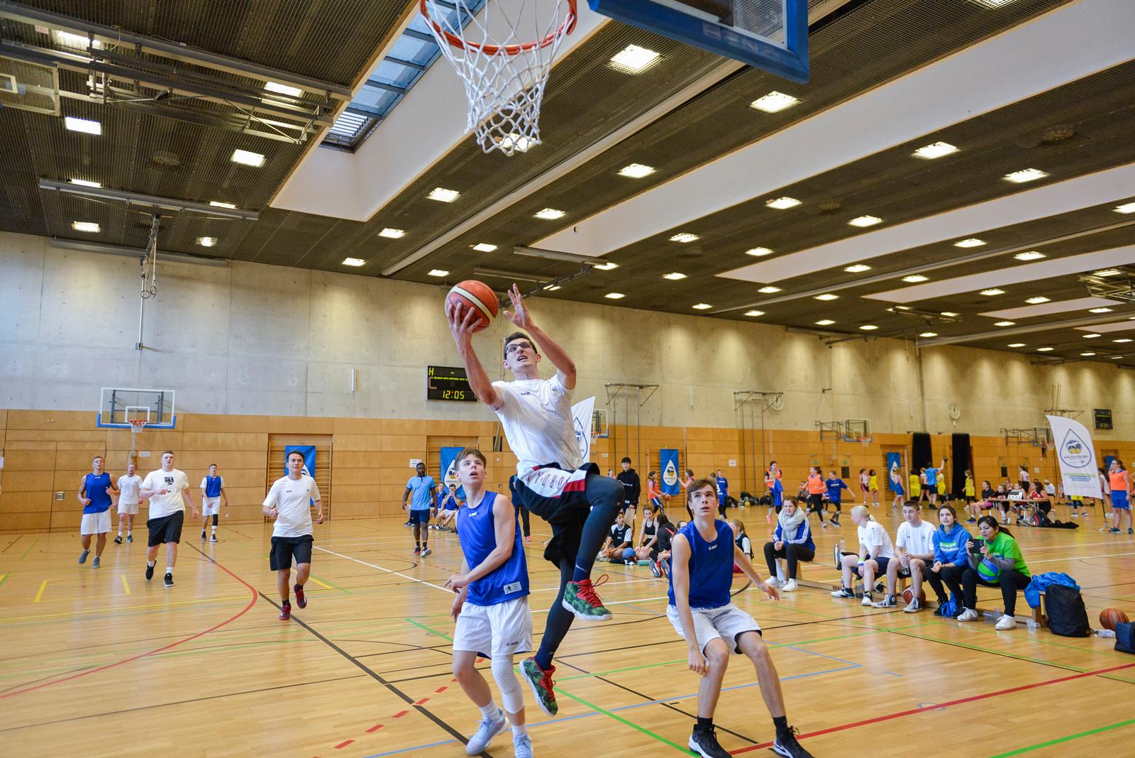 Unsere Azubi-/Studi-Basketballmannschaft